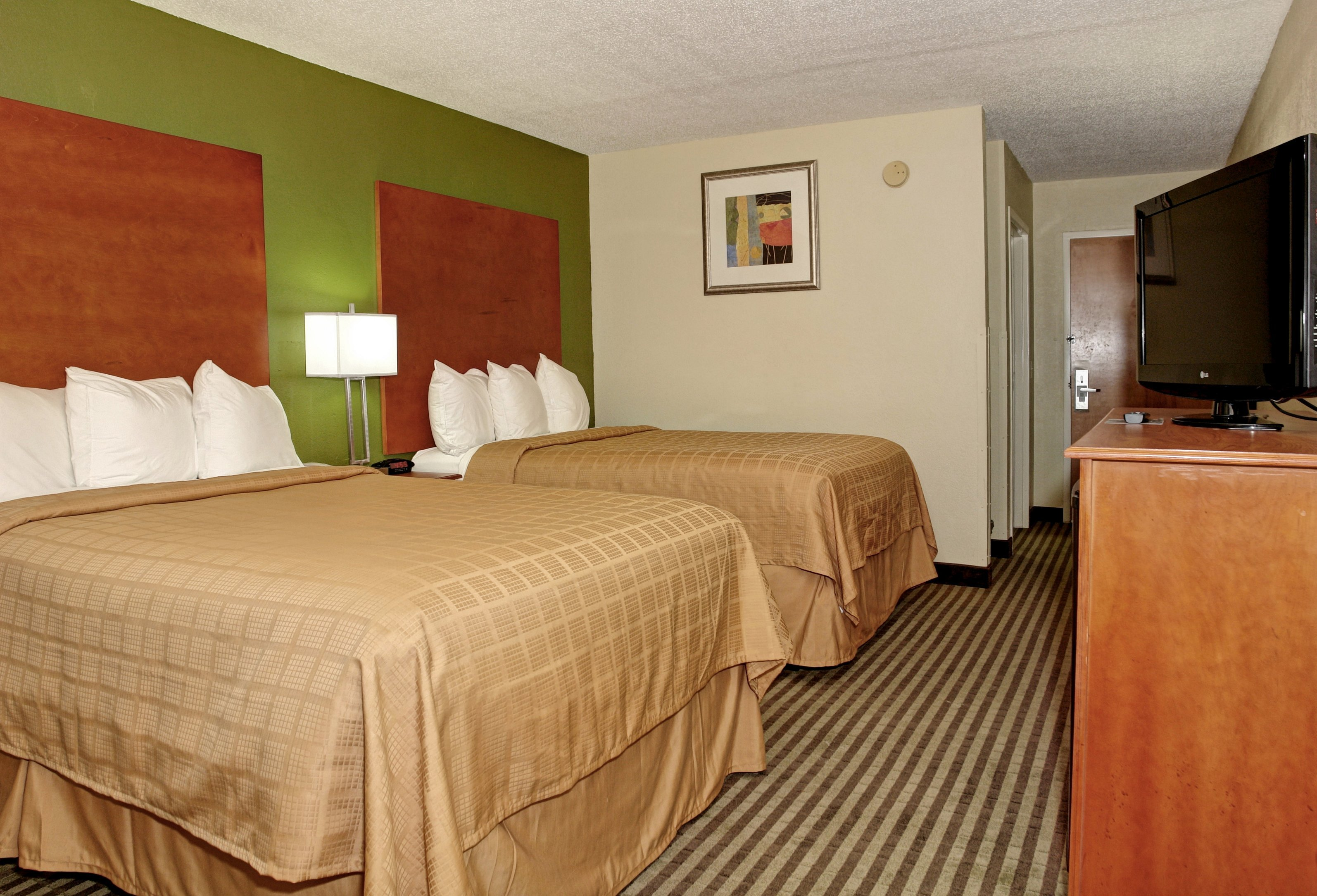 2 double bed family room at Quality Inn Jacksonville