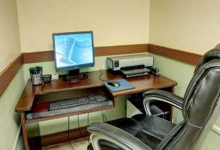 Jacksonville NC Quality Inn Hotel - Business Center is available at Jacksonville Quality Inn