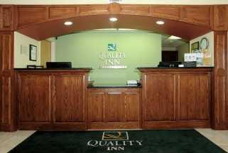 Jacksonville NC Quality Inn Hotel - Front desk where our staff greets our guests